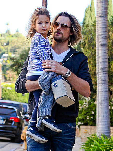 DADDY DUTIES photo | Gabriel Aubry