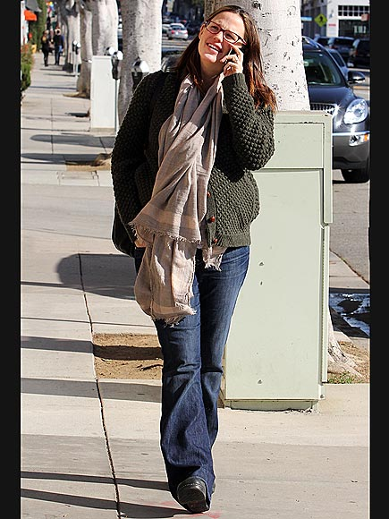 FEELING CHATTY  photo | Jennifer Garner