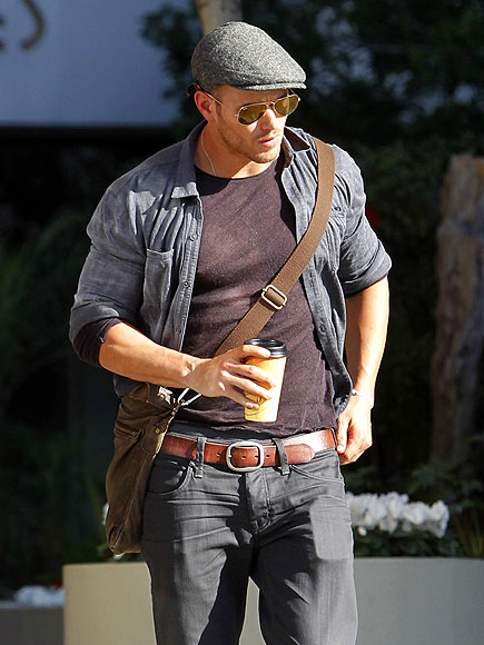 COFFEE CLUTCH 