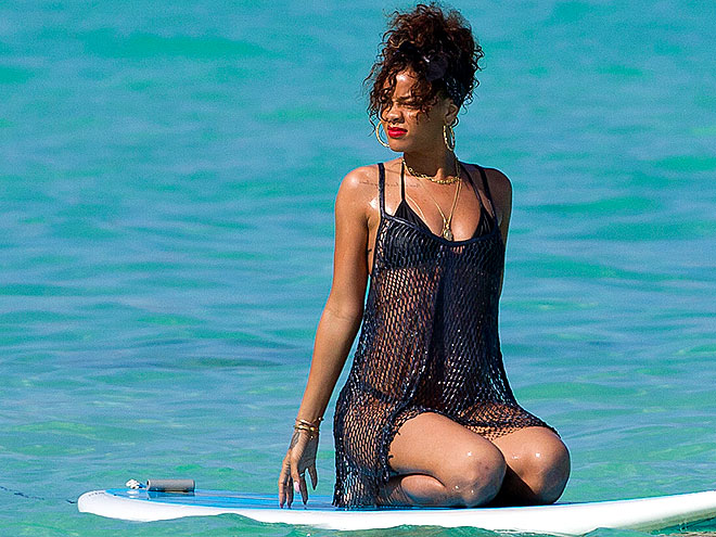 HOT FLASH  photo | Rihanna
