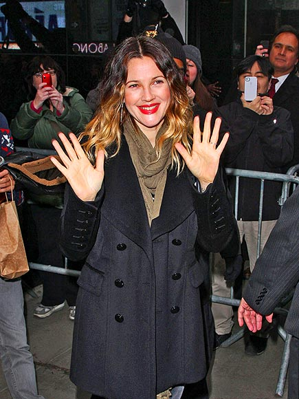 DOUBLE GREETING  photo | Drew Barrymore