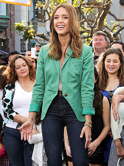 STANDING TALL photo   Jessica Alba