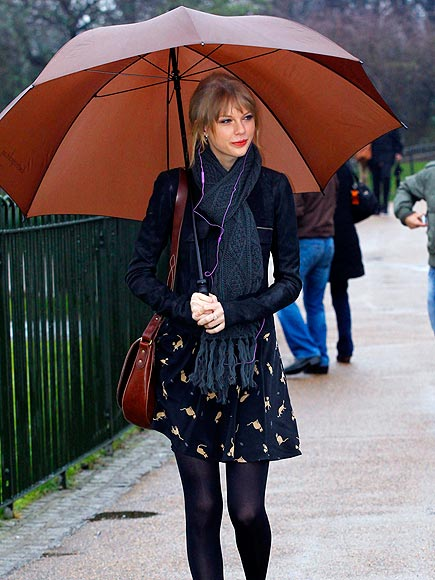 UMBRELLA STATEMENT photo | Taylor Swift