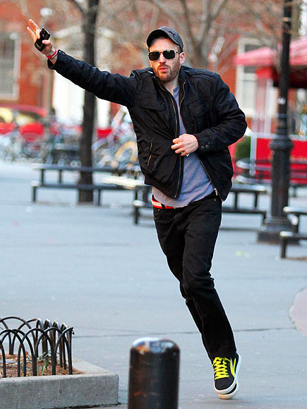 TAXI PLEASE! photo | Chris Evans