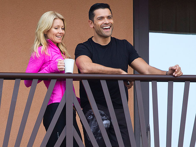 TICKLED PINK photo | Kelly Ripa, Mark Consuelos