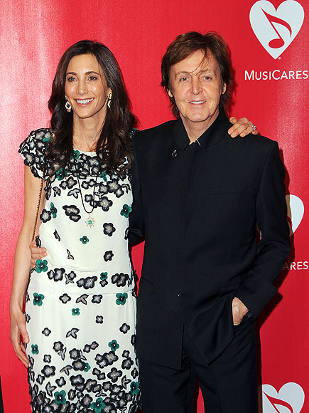 HAPPY COUPLE photo | Paul McCartney
