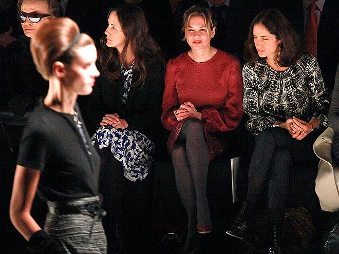 SITTING PRETTY photo   Renee Zellweger