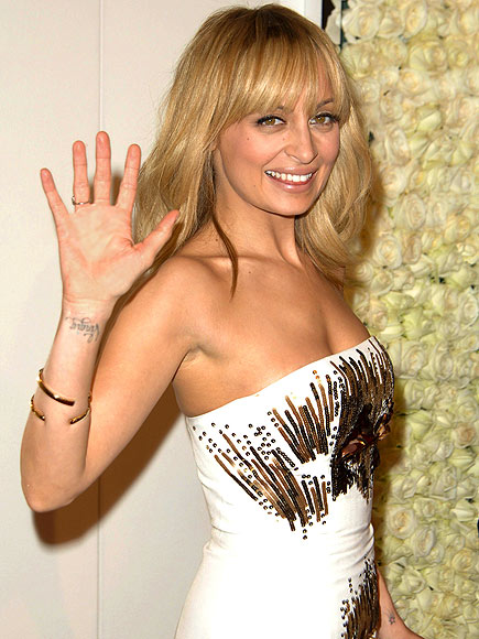 GOLDEN GIRL photo | Nicole Richie