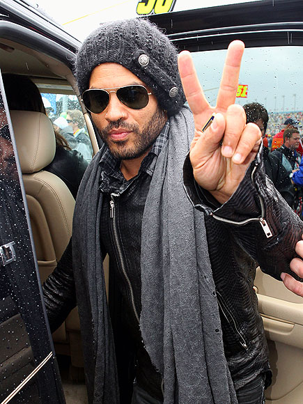 PEACE OUT photo | Lenny Kravitz