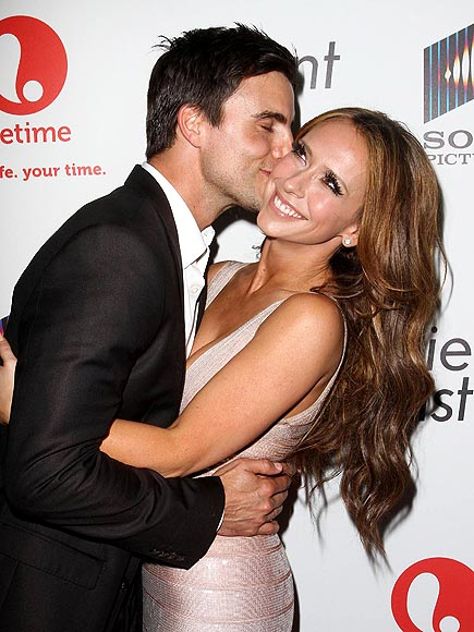 KISS, KISS  photo | Colin Egglesfield, Jennifer Love Hewitt