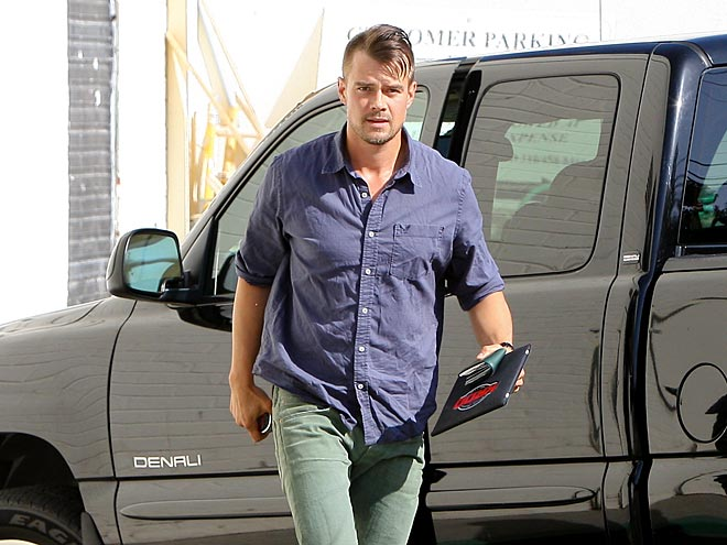 SOLO MARCH photo | Josh Duhamel