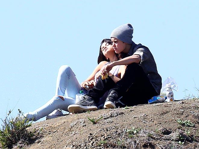 LOVE ON TOP photo | Justin Bieber, Selena Gomez