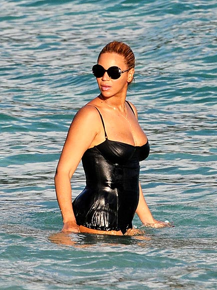 WATER WORLD photo | Beyonce Knowles