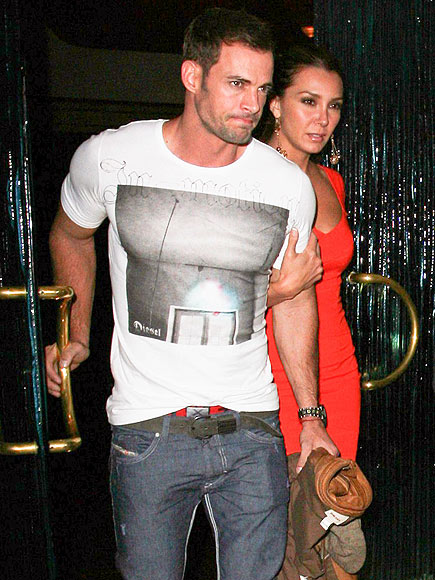 The DWTS hunk grabs dinner with girlfriend Elizabeth Guti  233 rrez in    William Levy Daughter 2013