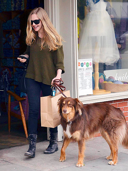 DOG LOVER photo | Amanda Seyfried