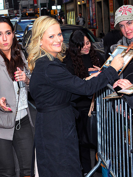 SIGNING OFF photo   Amy Poehler