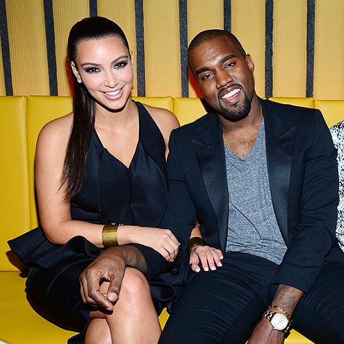 HANDS-ON COUPLE photo | Kanye West, Kim Kardashian