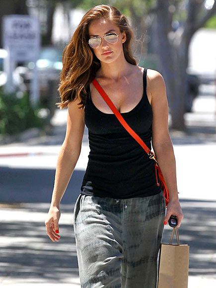 ONE WAY   photo | Minka Kelly