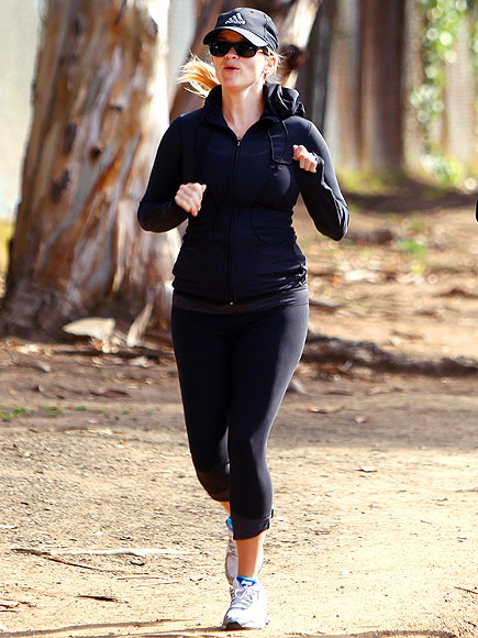 RUN WITH IT   photo | Reese Witherspoon