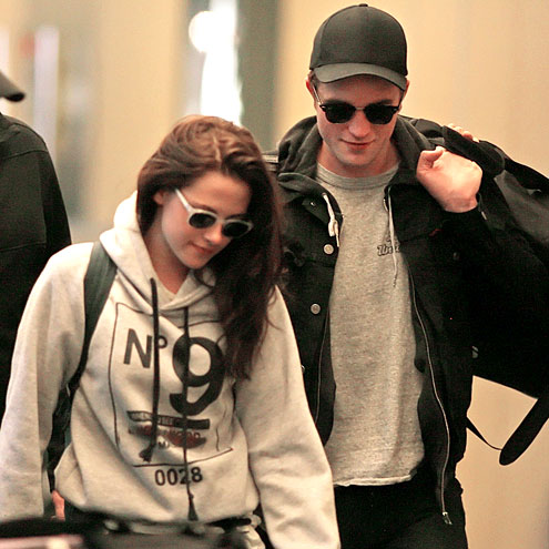 FREQUENT FLYERS   photo | Kristen Stewart, Robert Pattinson