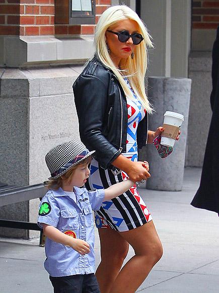 MAX OUT  photo | Christina Aguilera