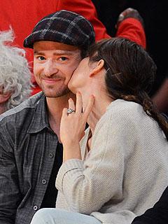 Justin & Jessica: Courtside Kiss | Jessica Biel, Justin Timberlake