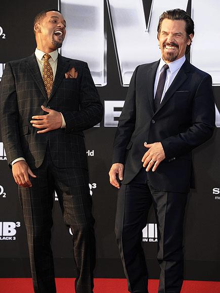 MEN IN LAUGH  photo | Josh Brolin, Will Smith