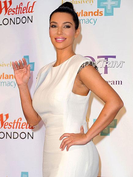 LADY IN WHITE photo | Kim Kardashian