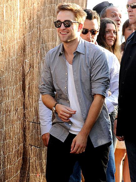 HEY, MR. COOL  photo   Robert Pattinson