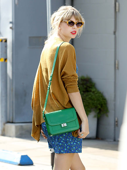 GOING GREEN  photo | Taylor Swift