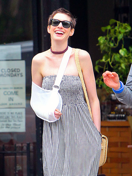 SLING STATE  photo | Anne Hathaway