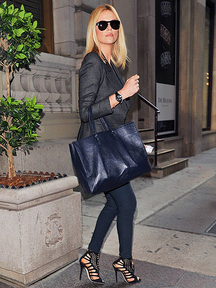 STREET CHIC photo | Charlize Theron