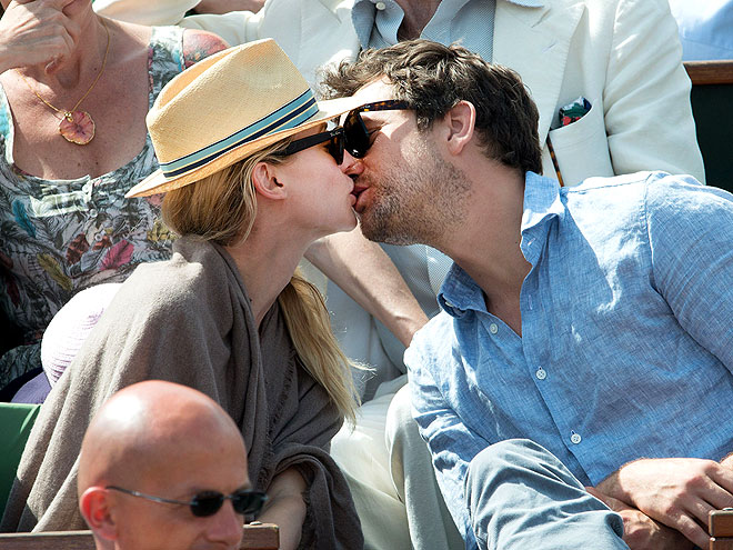 LOVE MATCH