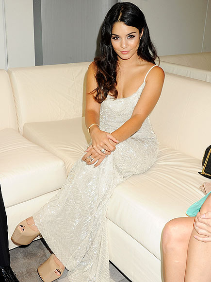 SITTING PRETTY photo | Vanessa Hudgens