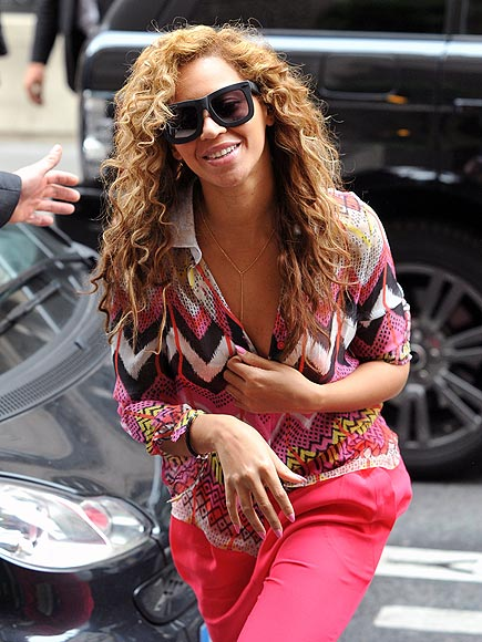 TICKLED PINK photo | Beyonce Knowles