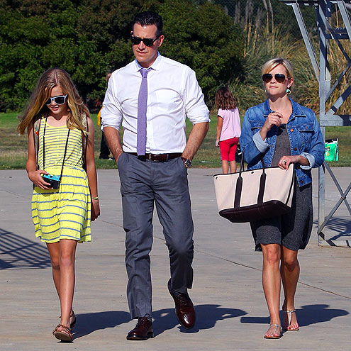SIDELINE STYLIN' photo | Reese Witherspoon