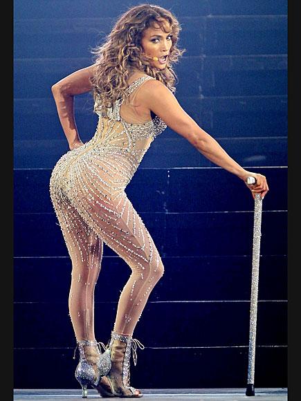 GETTING CHEEKY  photo | Jennifer Lopez