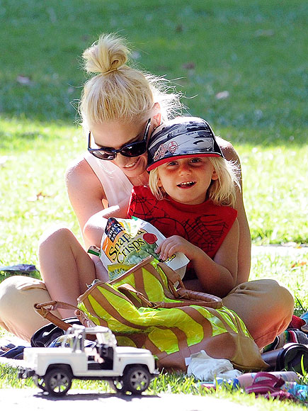 CUDDLE BUDDY