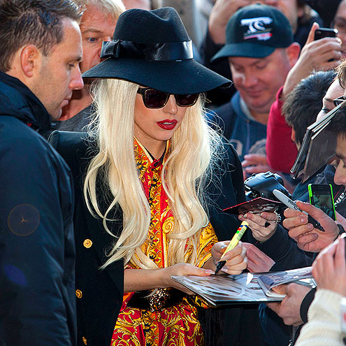 WRITE DOWN UNDER  photo | Lady Gaga