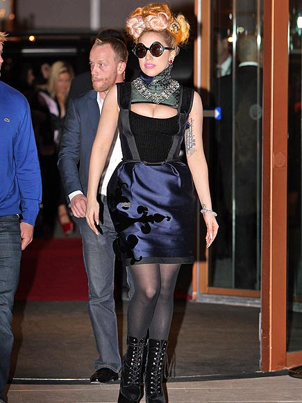 BUSTING OUT photo | Lady Gaga