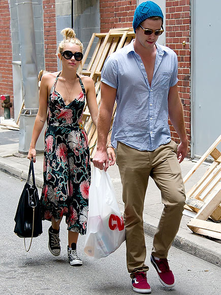 MOVING FORWARD photo | Liam Hemsworth, Miley Cyrus