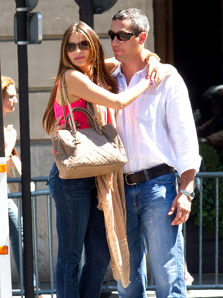 CURB APPEAL photo | Sofia Vergara
