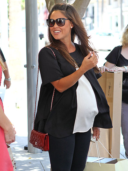 BELLY LAUGHS photo | Vanessa Minnillo