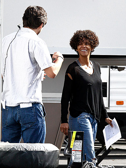 WORKING GIRL photo | Halle Berry