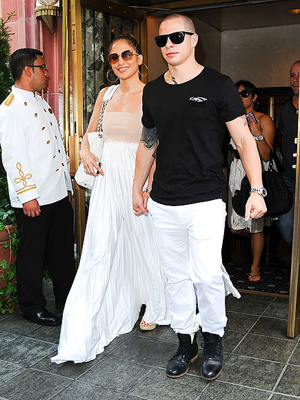 GO WITH THE FLOW photo | Casper Smart, Jennifer Lopez
