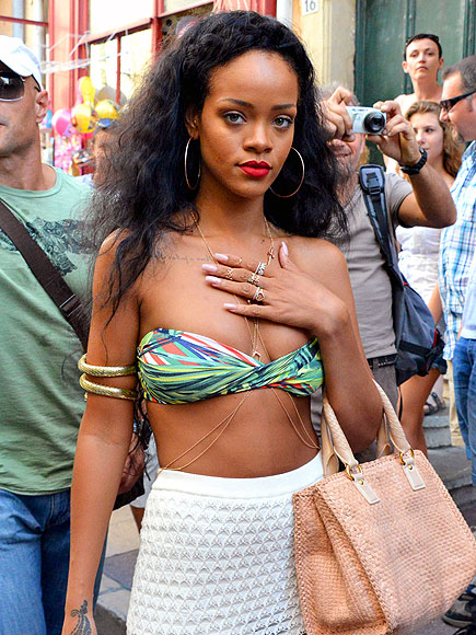 BELLY GOOD TIME photo | Rihanna