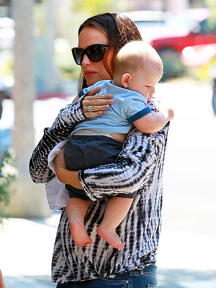 MAMA'S BOY photo | Jennifer Garner