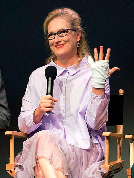 GIVE HER A HAND photo | Meryl Streep