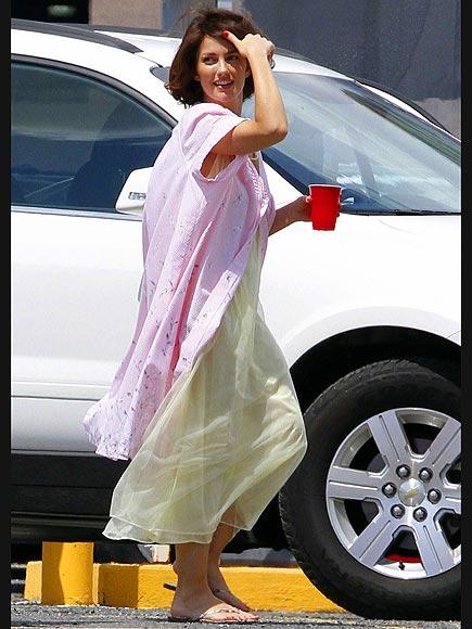 SET DRESSING photo | Minka Kelly