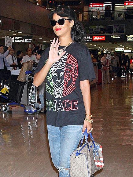 MAKE WAVE photo | Rihanna